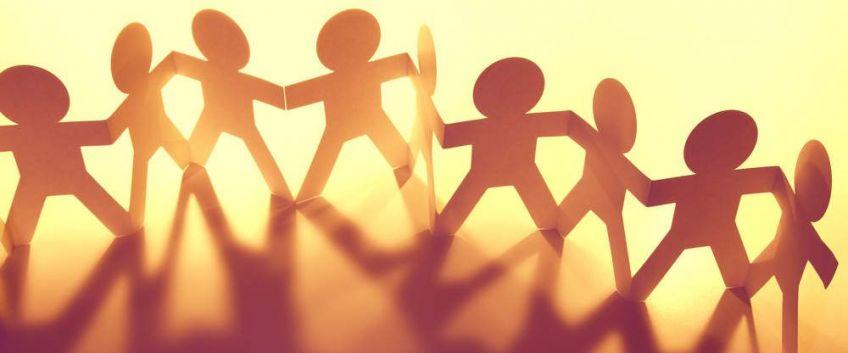 Devenir bénévole, s'engager librement, aider pleinement